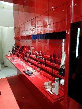 Boutique de maquillage Armani Box - ouvert jusqu'au 31 décembre 2016 - en plein coeur du Marais au 11 rue Debelleyme 75003 Paris