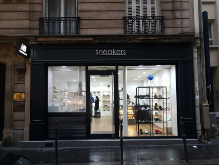 Sneakers Paris - 85 rue de la Boétie - 75008 Paris
