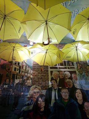 Belfast - Mur des célébrités irlandaises - ©biboucheetbibouchon