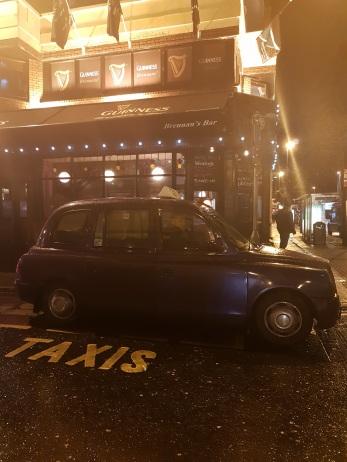 Taxi typique de Belfast - ©biboucheetbibouchon