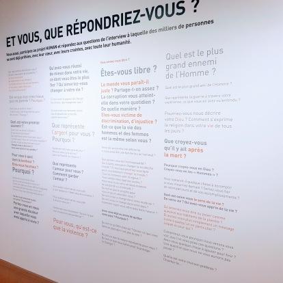 Exposition Human, le mur de question ©biboucheetbibouchon