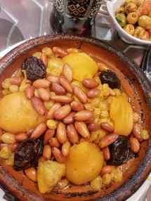 Le Grandel, Tajine aux poires, amandes et pruneaux ©biboucheetbibouchon.om