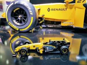 Renault RS17 x Lego ©biboucheetbibouchon