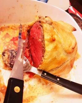Filet de boeuf en croûte farci au foie gras et aux champignons ©biboucheetbibouchon
